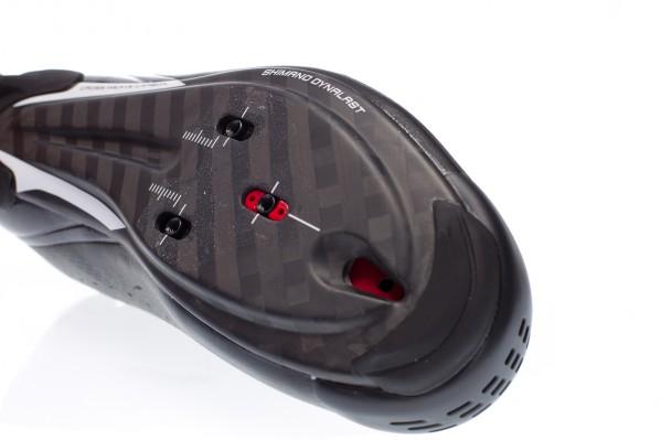 Max. 5-6 Nm Anzugsmoment an den Cleat-Schrauben.