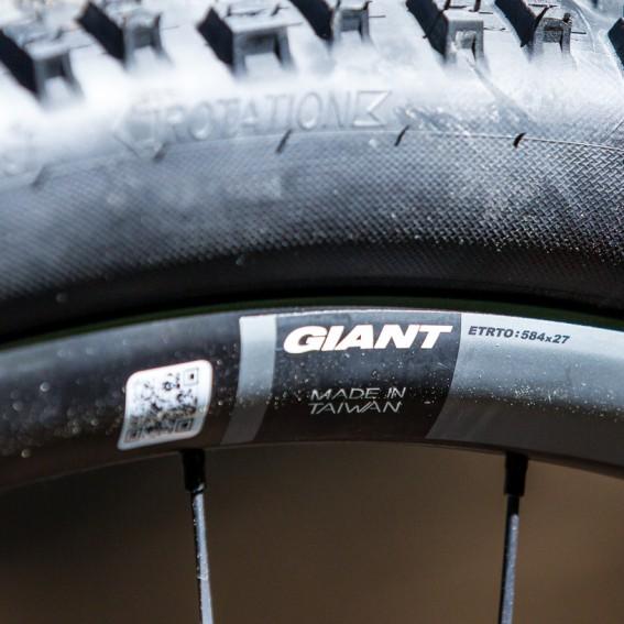 Neue Laufräder mit der Dynamic Balanced Lacing (DBL) made by Giant.