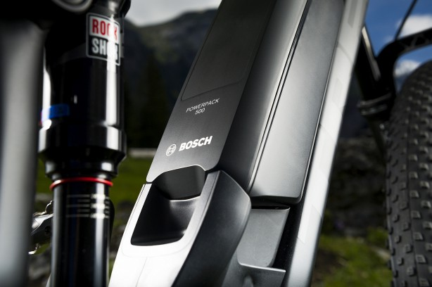 Den nötigen Saft für 75 Nm Drehmoment liefert ein 500 Wh Akkupack.
