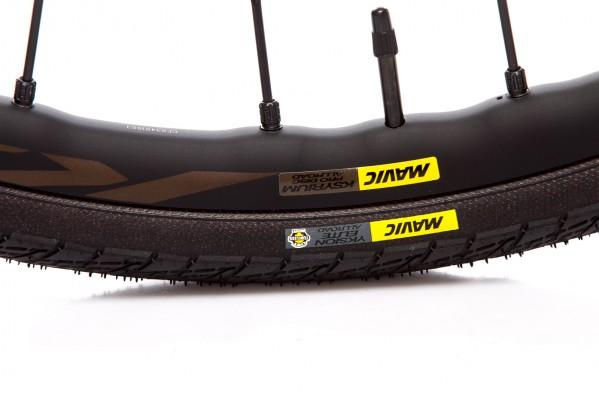 Die 26 mm hohen Maxtal-Felgen sind mit Drahtreifen und UST Tubeless kompatibel.