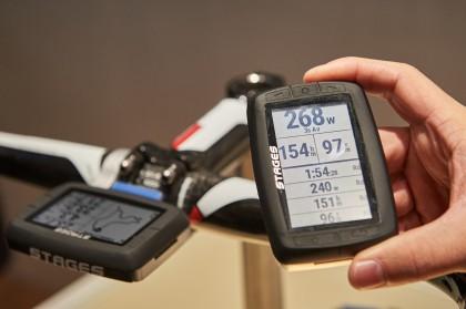 Zusätzliche Halterungen ermöglichen Ausrichtung sowohl im Querformat und im Hochformat, ebenso erhältlich sind spezielle Halterungen für Mountainbikes und Aero Lenker.