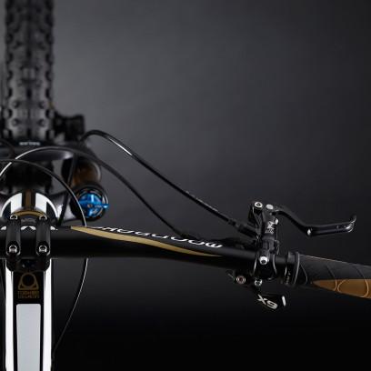 So präsentierten sich im Jahr 2013 die ersten Serienbikes mit Forward Geometry.