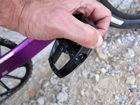 Runde Kanten und dezente Pins reduzieren die Verletzungsgefahr.